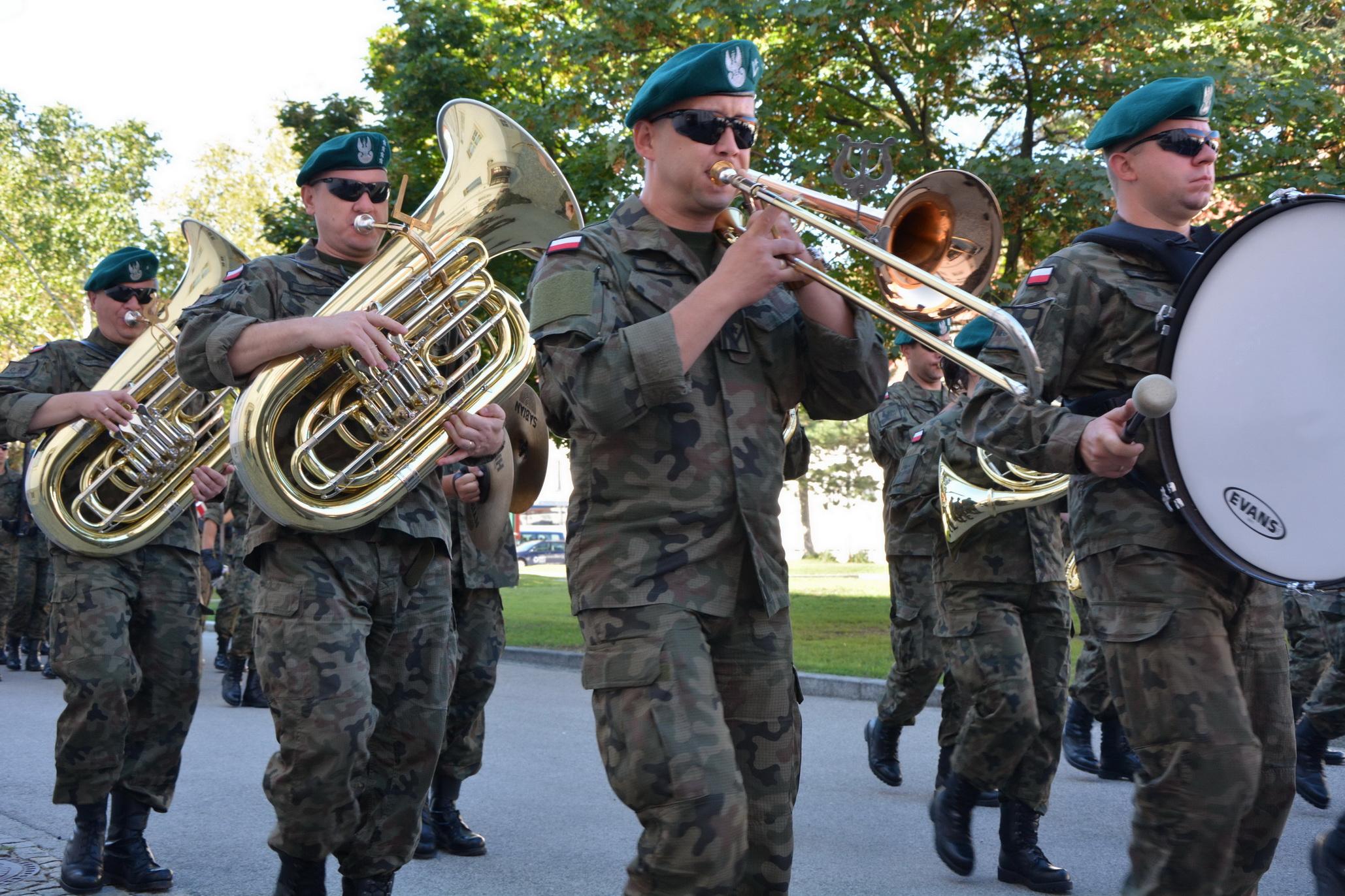 Garde_2018_09_12_Vorparade Traditionstag MilKdo Wien mit Polen (8)