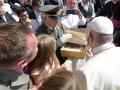 Garde_2018_09_12_EIDLER_Bibel beim Papst_305801_12092018