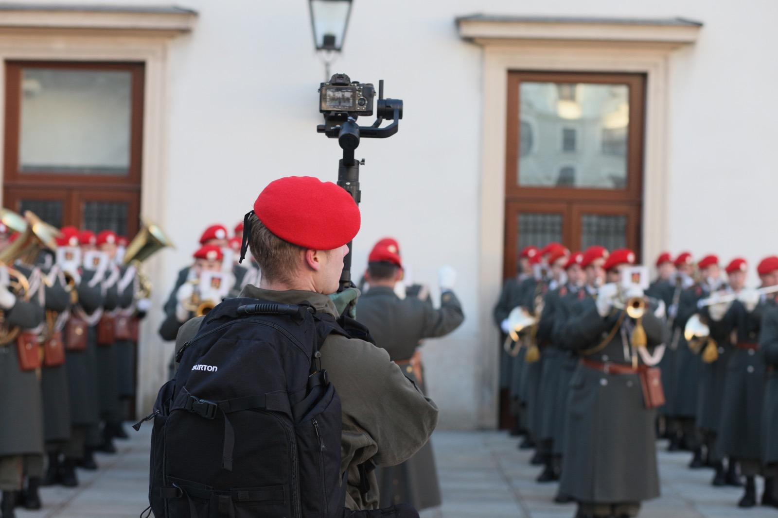 2019_01_11_1Gardekompanie_HBP_SUI_Präsident_Schweiz_Burghof - 17 of 36