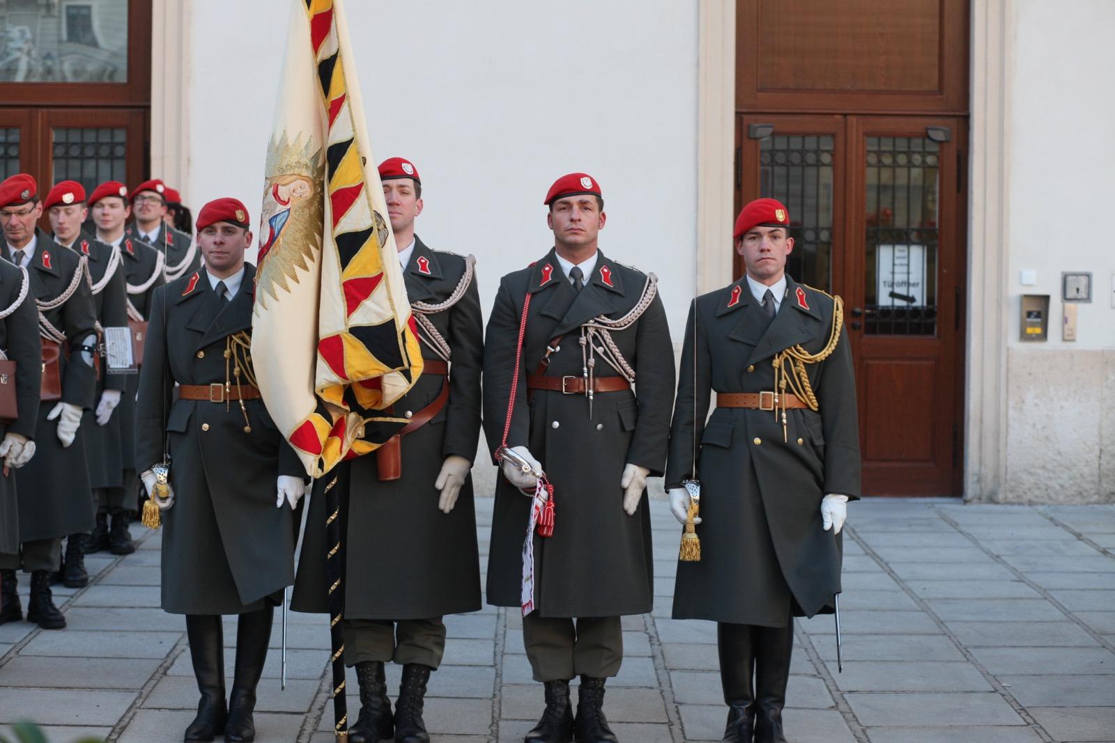 2019_01_11_1Gardekompanie_HBP_SUI_Präsident_Schweiz_Burghof - 2 of 36