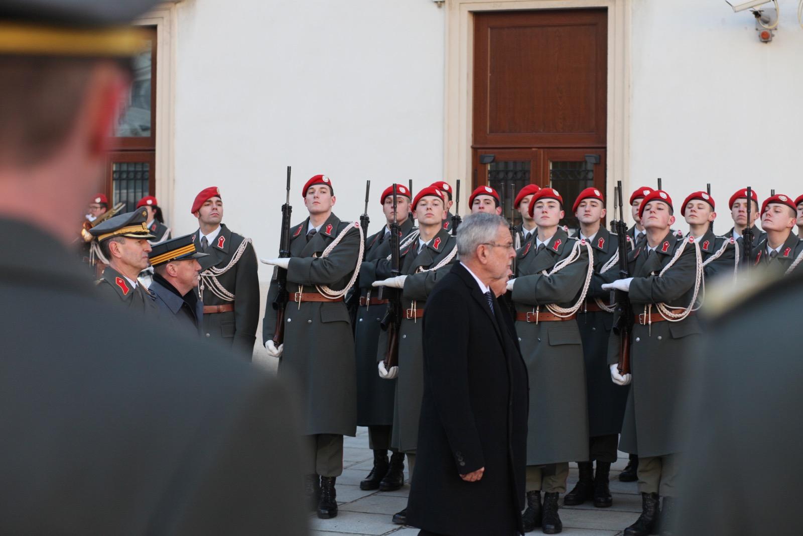 2019_01_11_1Gardekompanie_HBP_SUI_Präsident_Schweiz_Burghof - 25 of 36