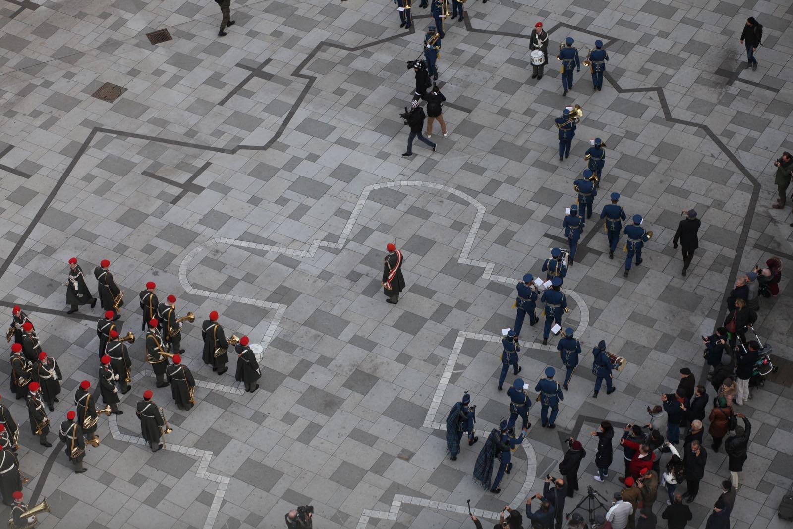 2019_01_16_Gardemusik_Oman_Flashmob_BallderOffiziere - 3 of 36