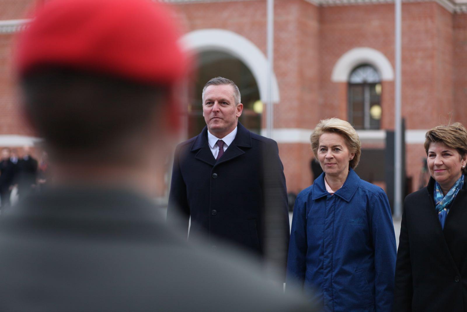 2019_01_18_1Gardekompanie_Treffen_Verteidigungsminister_DE_CHE_AUT_Rosau - 21 of 39
