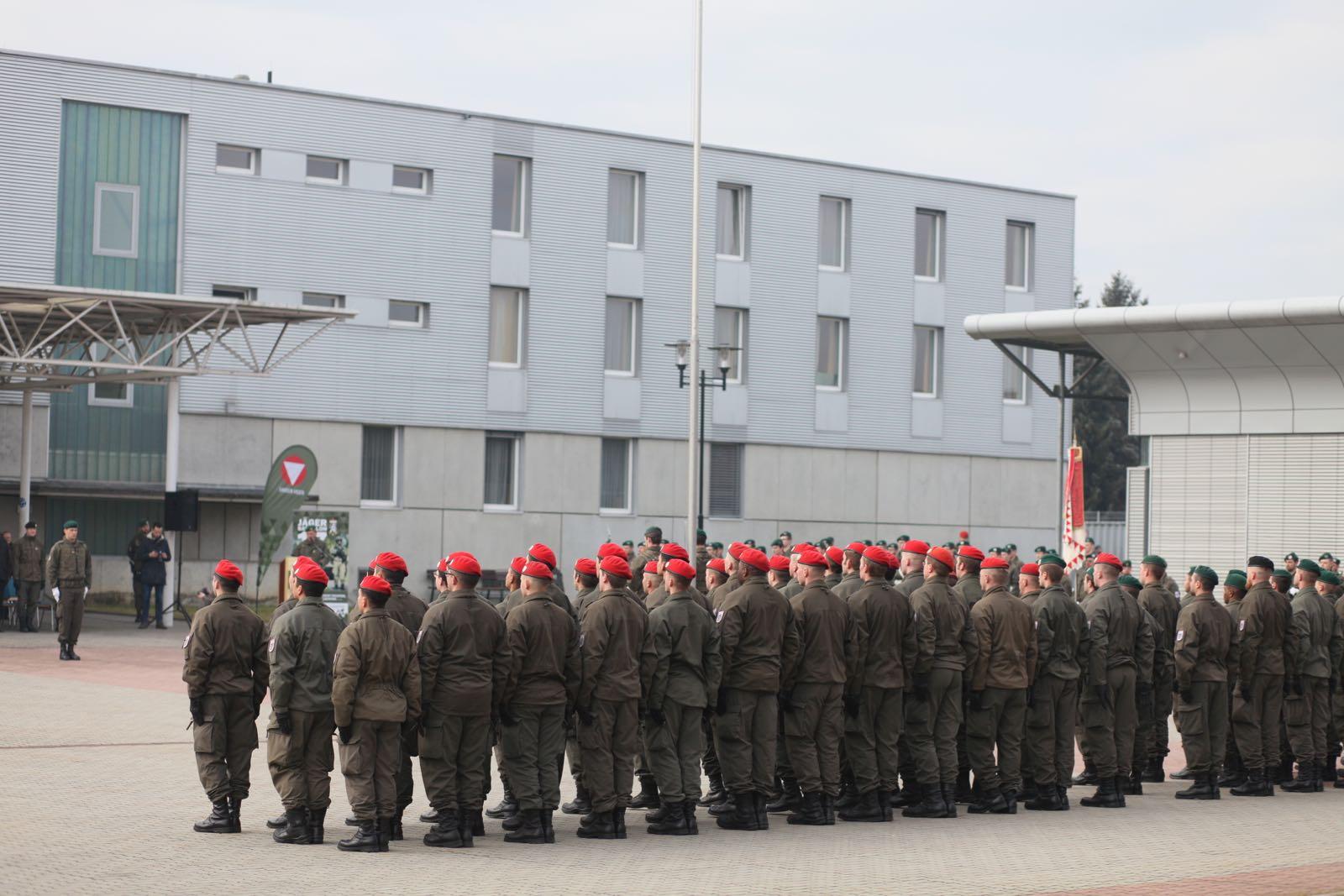 2019_02_08_5Gardekompanie_KPE_EUFOR30_Verabschiedung - 26 of 61
