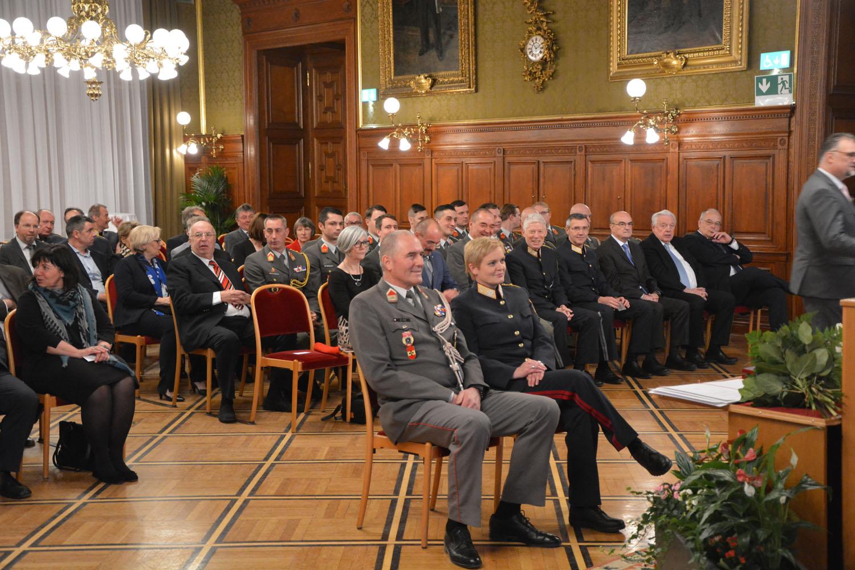 2019_02_12_Verleihung Verdienstzeichen Land Wien an Vzlt GLANZ_DSC_1943