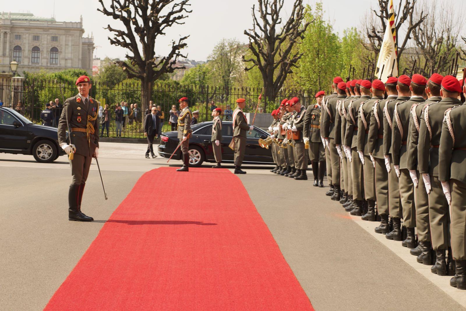 2019_04_09_4Gardekompanie_Montenegro_Ballhausplatz - 34 of 34
