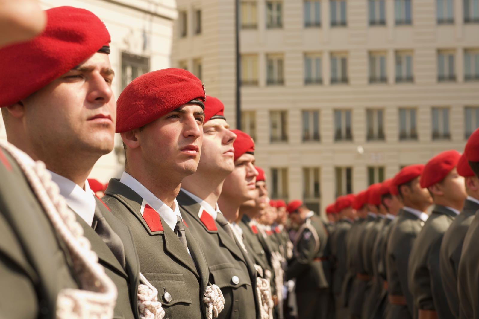 2019_04_09_4Gardekompanie_Montenegro_Ballhausplatz - 9 of 34