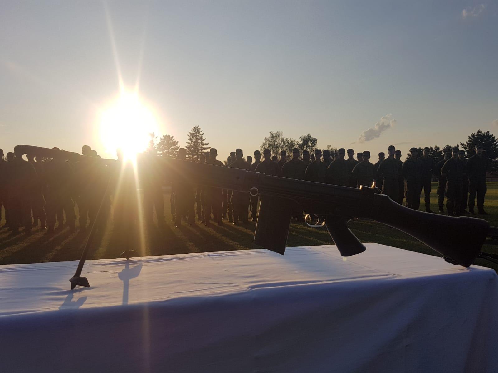2019_08_01_Garde_1.GdKp_Horn_feierliche-Waffenübergabe-StG58_15