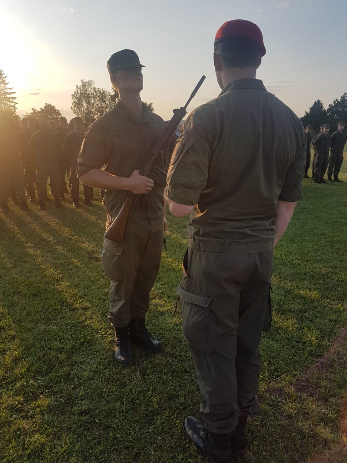 2019_08_01_Garde_1.GdKp_Horn_feierliche-Waffenübergabe-StG58_28