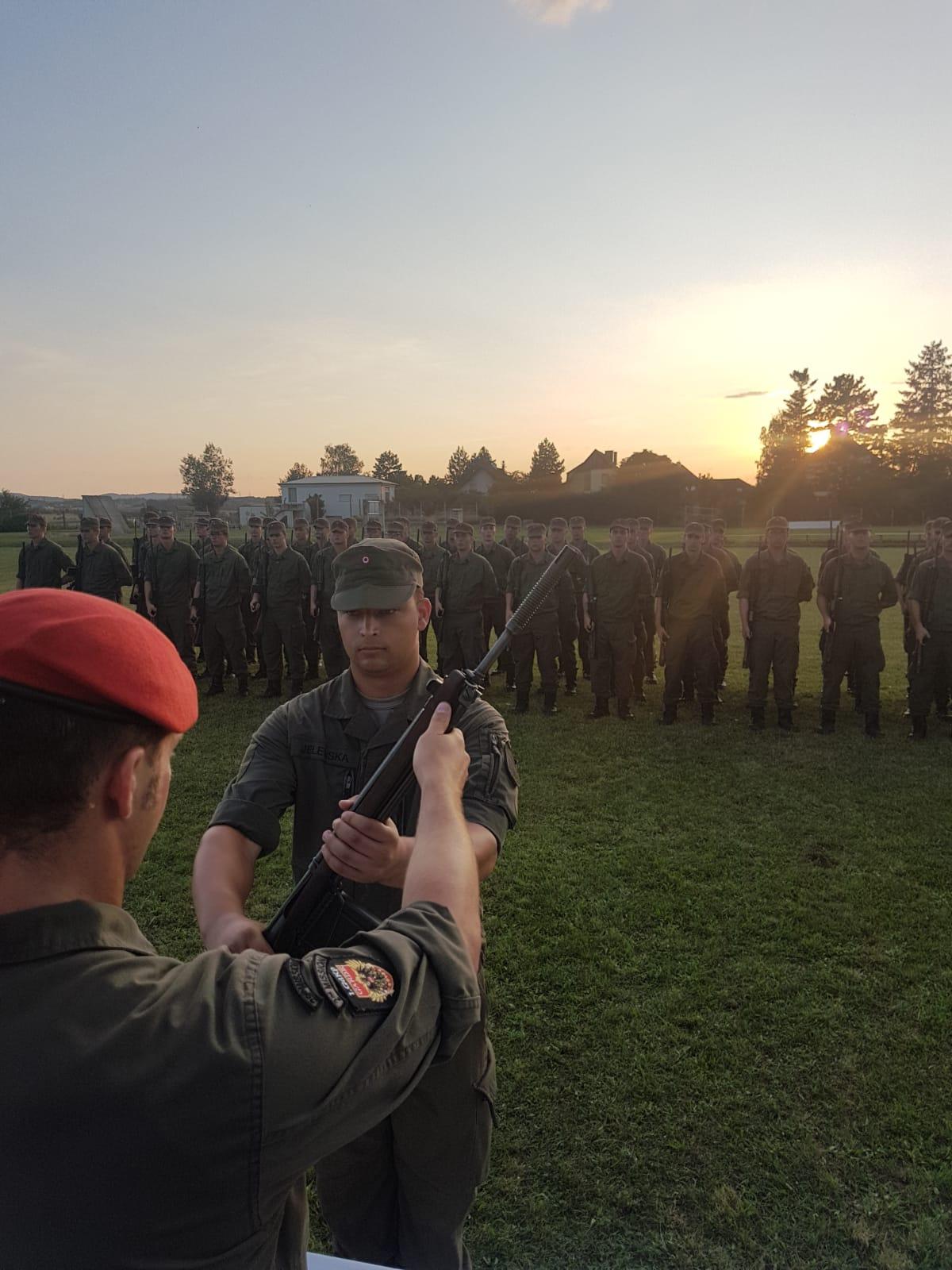 2019_08_01_Garde_1.GdKp_Horn_feierliche-Waffenübergabe-StG58_37