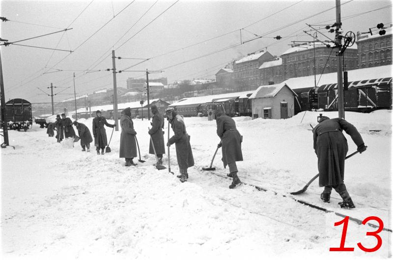 Schneeschaufeln 1963 Wien Westbahnhof