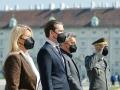 Am 27. April 2021 fand anlässlich der 76. Wiederkehr des Tages der Wiedererrichtung der Republik Österreich eine feierliche Kranzniederlegung im Weiheraum und in der Krypta des äußeren Burgtors statt. Im Bild (v.l.n.r.) Bundesministerin Klaudia Tanner, Bundeskanzler Sebastian Kurz und Vizekanzler Werner Kogler.